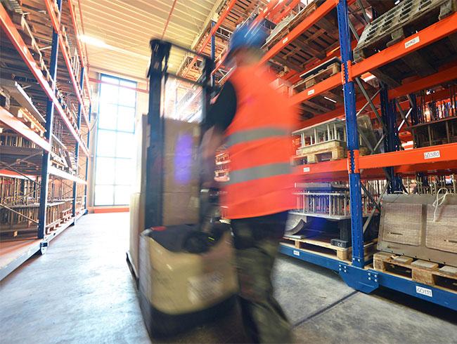 logistica almacenaje expediciones bcn trasvases